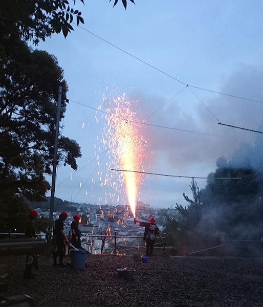 愛宕神社の手筒花火