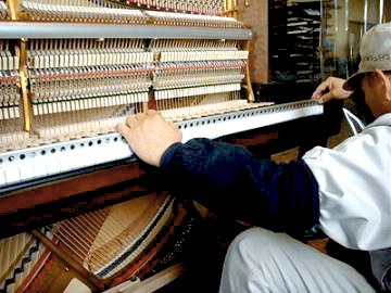 ピアノ製造、修理工程